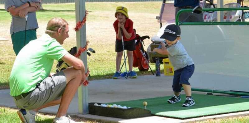Tăng cường giao tiếp với trẻ trong quá trình hướng dẫn