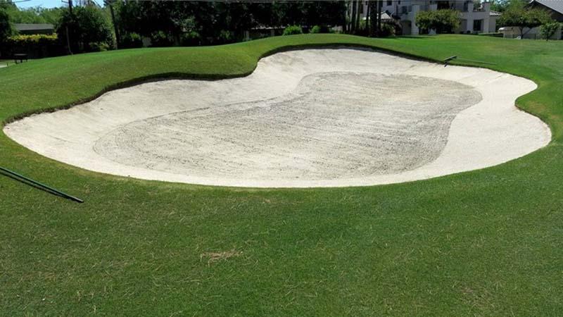 Bunker trong golf có nghĩa là bẫy cát