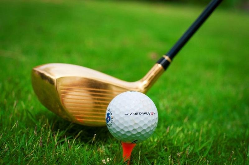 Đánh thử gậy golf trước khi mua sẽ giúp bạn chọn ra loại gậy phù hợp với mình hơn