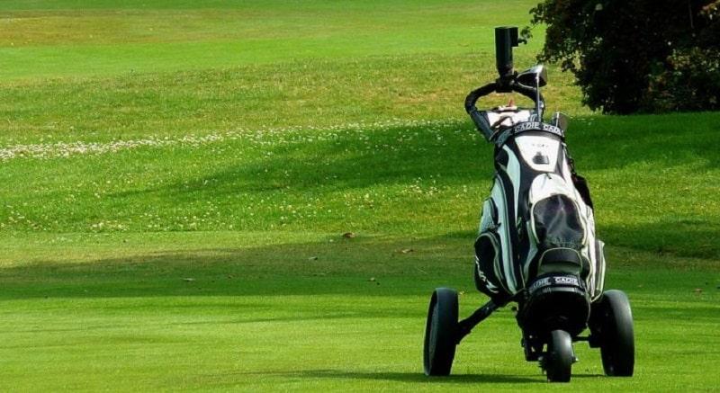 Xe buggy là phụ kiện để chở đồ trên sân golf