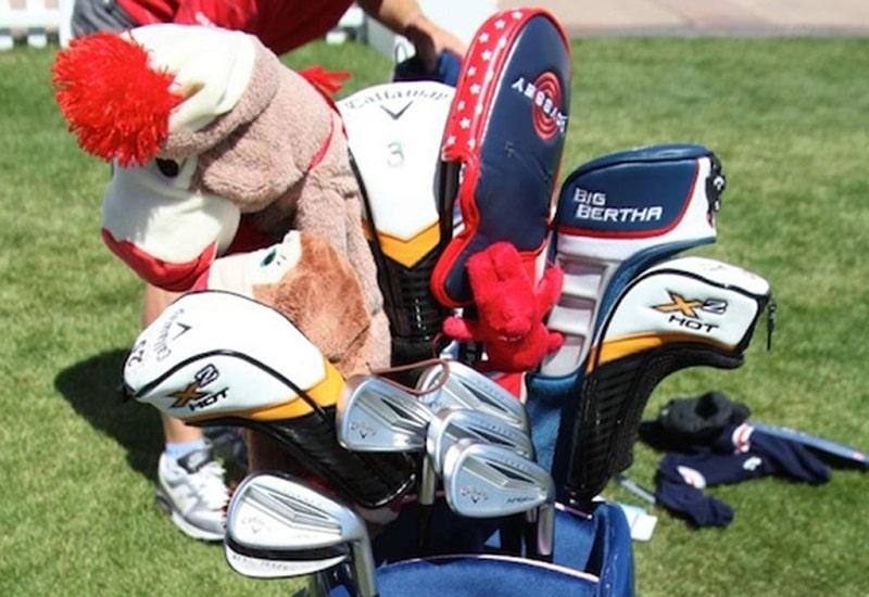 Golfer có thể sử dụng các Headcovers để bảo vệ đầu gậy của mình