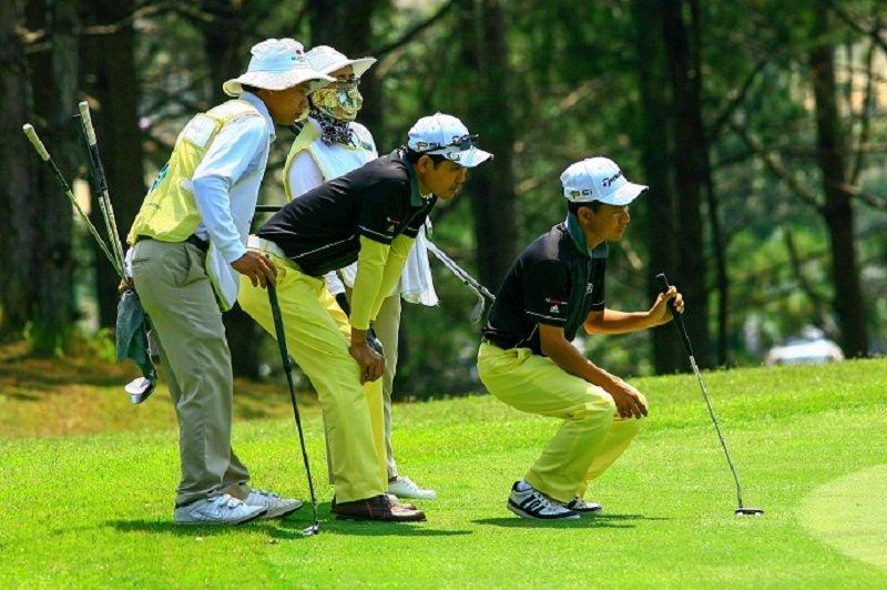 Caddie golf là công việc khá nhẹ nhàng