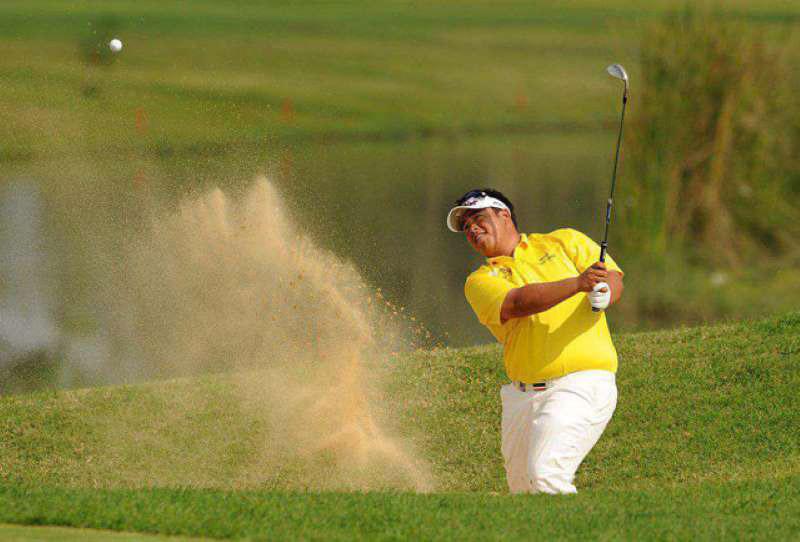 Với các sân golf có mặt đất cứng, bạn nên chọn độ bounce thấp