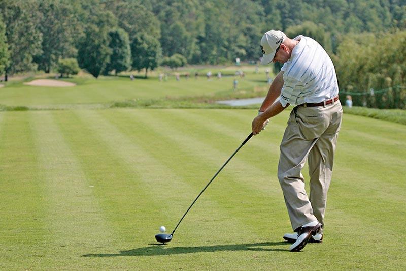 Độ cứng của cán gậy golf có thể ảnh hưởng tới đường đi của bóng