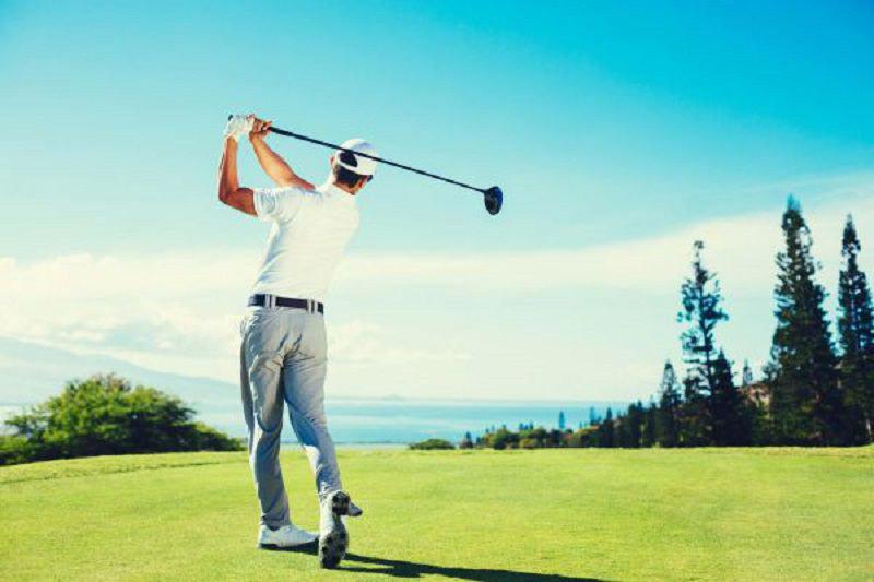 Người chơi nên chọn dụng cụ swing golf dựa trên kỹ thuật đánh bóng