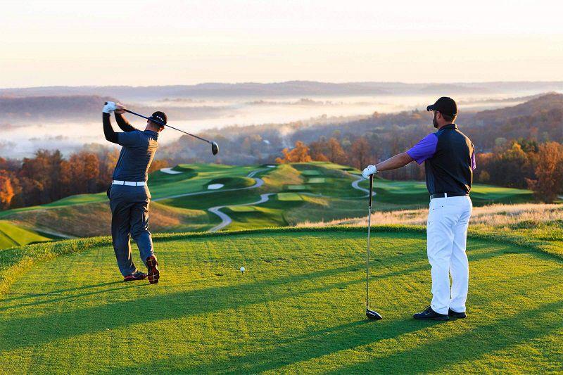 Người chơi cần tìm hiểu kỹ về green fee khi chơi trên sân golf