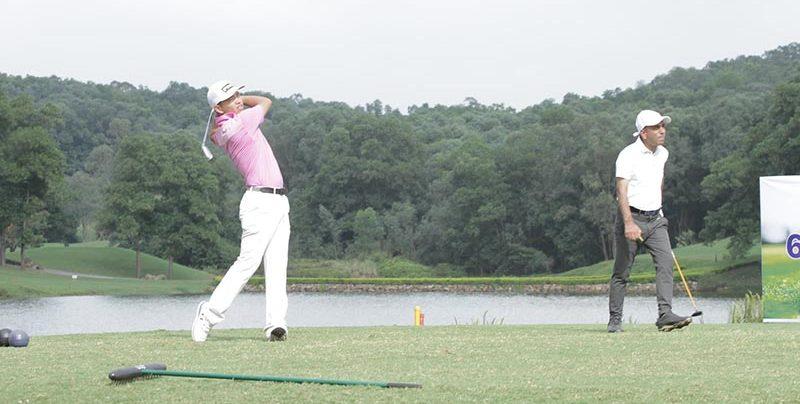 Thành thạo kỹ thuật đánh gậy sắt ngắn sẽ giúp nâng cao trình độ chơi golf của người chơi