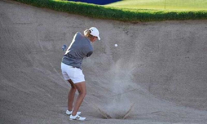 Luật golf trong bunker cho phép người chơi được giải thoát bóng với một số điều kiện