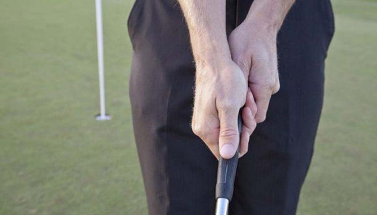 Cách cầm gậy trong kỹ thuật putting golf