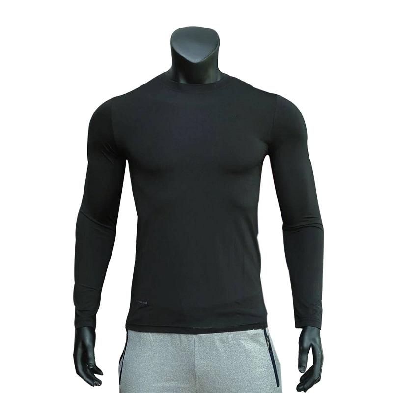 Chọn quần áo golf mùa đông nên chọn loại áo có khả năng giữ nhiệt tốt