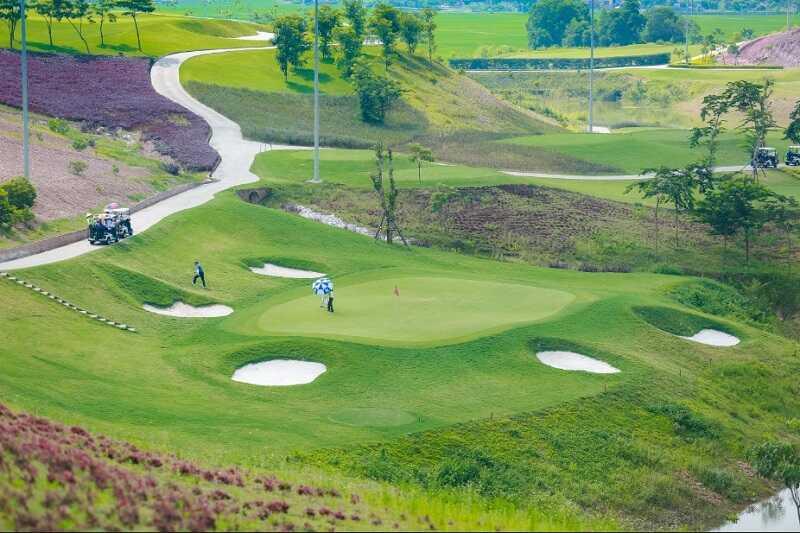 Việc xây dựng sân golf sẽ mở đường cho du lịch, dịch vụ và kinh tế tỉnh phát triển