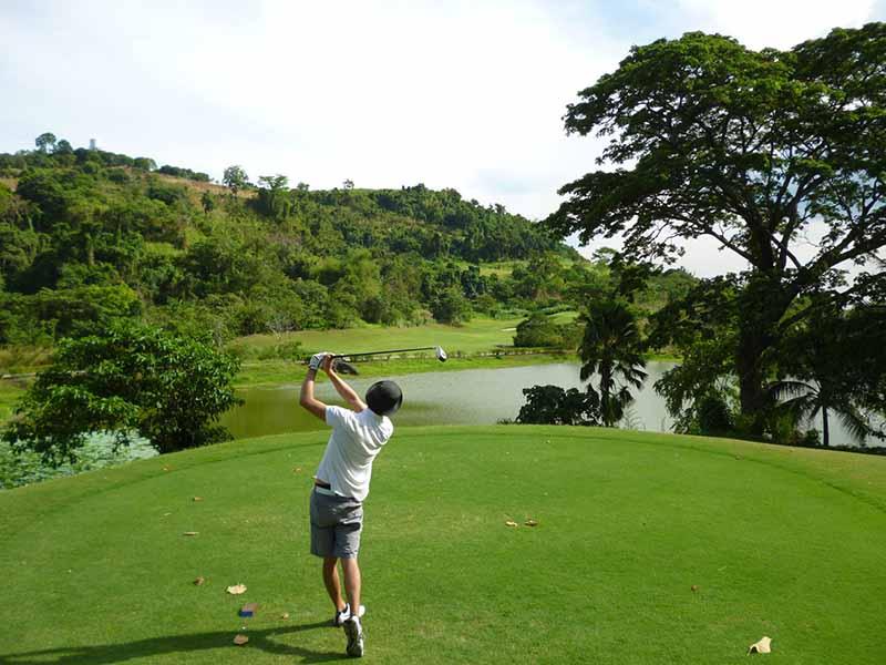 Quy tắc 18 lỗ là một trong những quy tắc quan trọng của môn golf