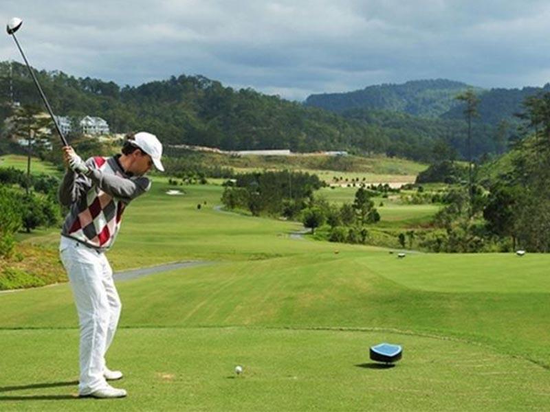 Vòng golf 9 lỗ mang đến nhiều trải nghiệm thú vị cho người chơi