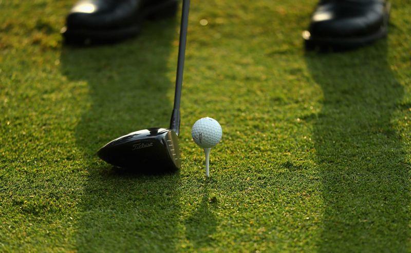 Slice trong golf là những cú đánh có quỹ đạo lệch phải