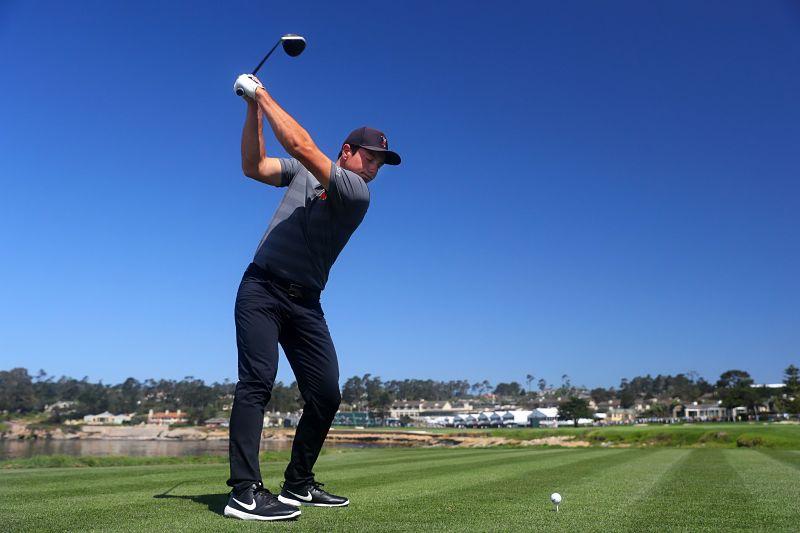 Golfer nên lưu ý thực hiện đúng kỹ thuật swing driver golf