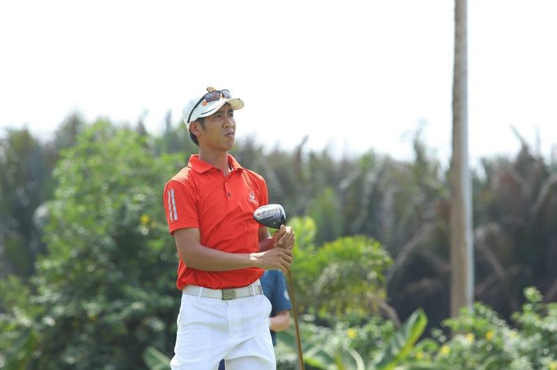 Hình ảnh huấn luyện viên Bùi Văn Hoành