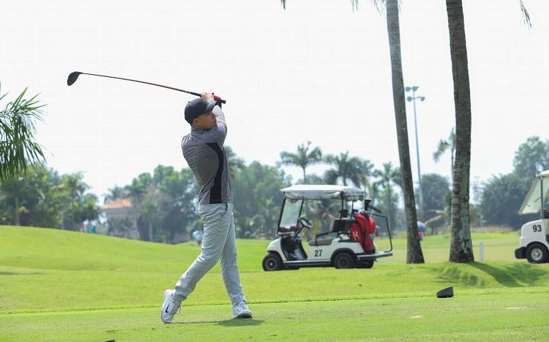 Học viện golf Hà Nội chào đón mọi đối tượng yêu golf