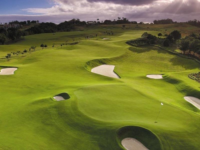 Sân golf Mê Kông là địa chỉ uy tín dành cho những ai có nhu cầu học golf ở Bình Dương