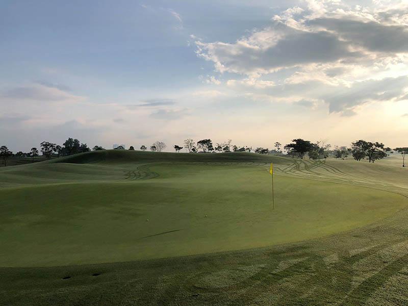 Sân golf Harmonie là địa chỉ học golf ở Bình Dương chất lượng
