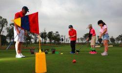 Khóa học golf cho trẻ em