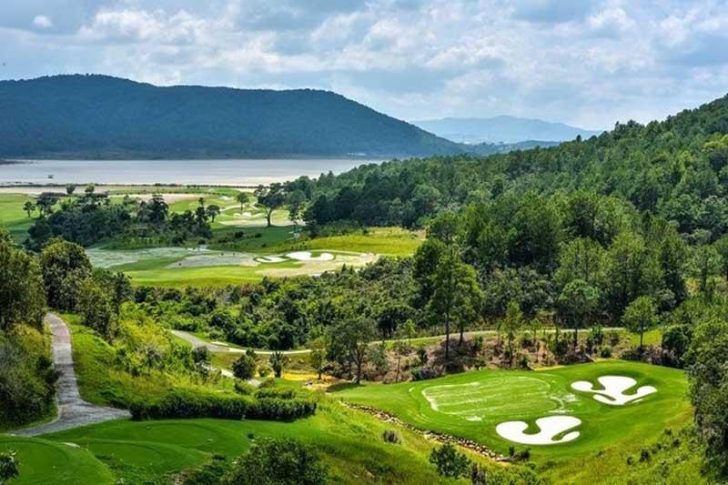 Phí dịch vụ và chơi golf tại đây còn tùy thuộc vào nhiều yếu tố