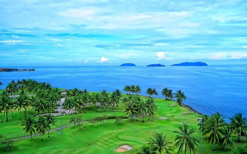Các sân tại TP.Đà Nẵng đều ở gần biển nên rất thích hợp với người yêu thích nghỉ dưỡng