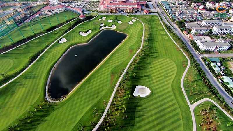 Tập golf Hà Đông là lựa chọn hợp lý vì nó chỉ cách trung tâm thành phố 20 - 30 phút đi xe