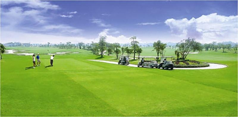 Sân golf Hà Đông được bố trí trang thiết bị lớn và hiện đại bậc nhất thành phố