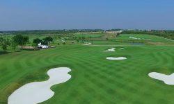 Sân golf Harmonie sở hữu hệ thống sân tập quy mô lớn