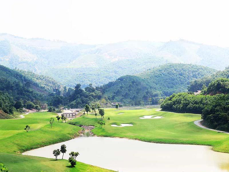 Sân golf Hilltop có khung cảnh thiên nhiên hùng vĩ, ấn tượng