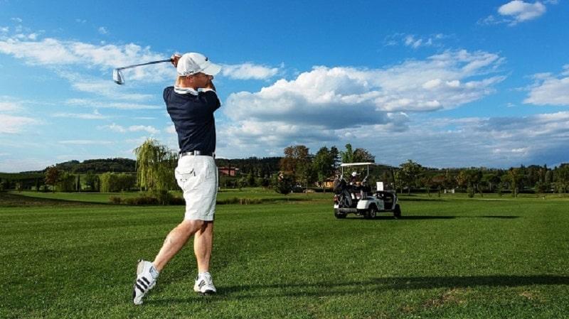 Tập golf bao lâu thì ra sân phụ thuộc vào thái độ luyện tập của bạn