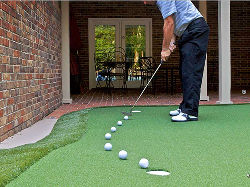 Muốn tập golf tại nhà hiệu quả, bạn cần biết cách cầm gậy đúng tư thế