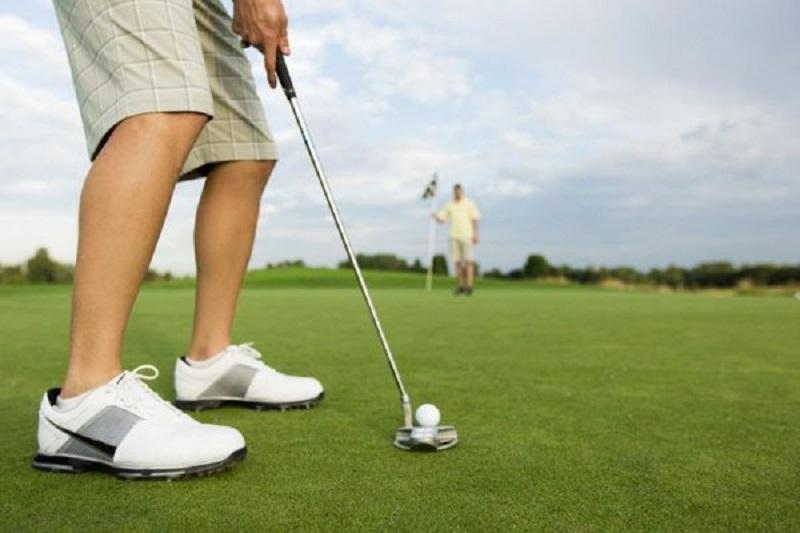 Putt golf còn được là cú gạt bóng