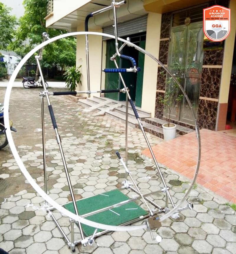 Vòng swing golf giúp người chơi luyện tập tại nhà khi không có điều kiện ra sân thường xuyên