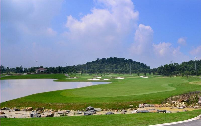 Khung cảnh tại sân golf Đồ Sơn