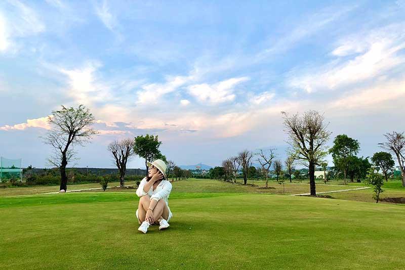 Sân golf Gia Lai cho du khách vào tham quan