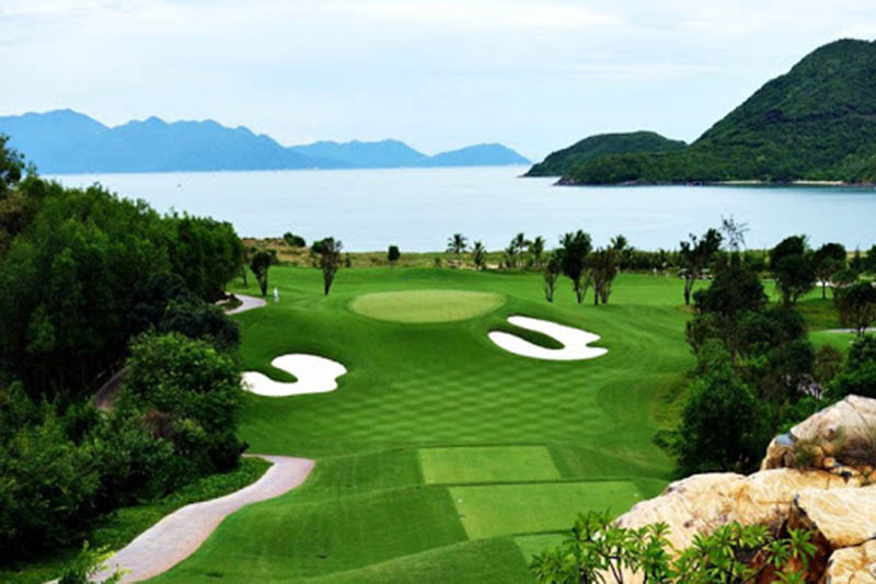 """Vinpearl golf Nha Trang được mệnh danh là """"đảo golf"""" đẳng cấp nhất nhì Việt Nam"""
