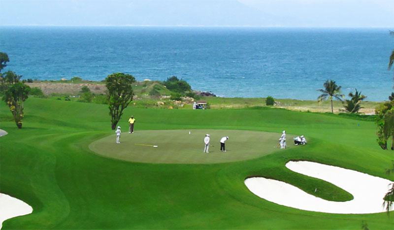 Sân golf mang đến nhiều dịch vụ tiện ích đẳng cấp quốc tế