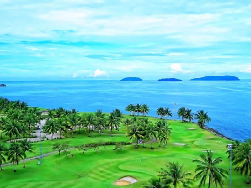 Sân gôn BRG Đà Nẵng tọa lạc tại quận Ngữ Hành Sơn với tầm nhìn hướng ra biển