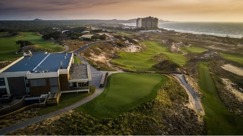 Thời gian sân golf mở cửa sẽ bắt đầu từ 6h00 đến chập tối