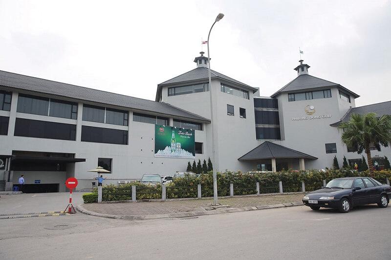 Sân golf Phương Đông sở hữu bãi đỗ xe rất tiện nghi, rộng rãi và an toàn