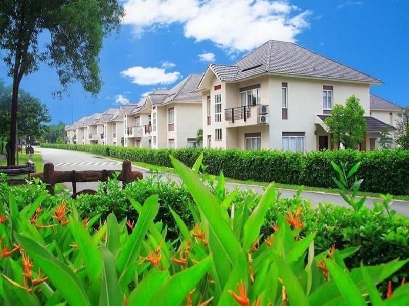 Trong Vietnam Golf Country Club có khu biệt thự được thiết kế theo phong cách hiện đại