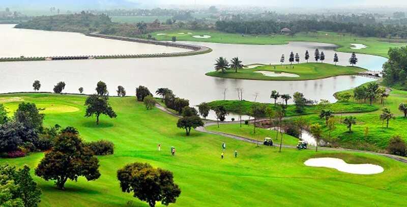 Khung cảnh thiên nhiên tuyệt đẹp tại sân golf Hoàng Gia Ninh Bình