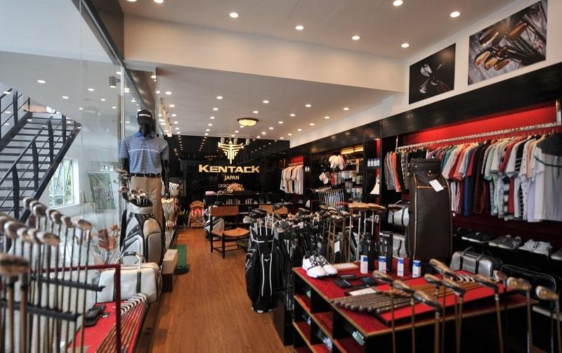 Các golfer có thể tìm thấy mọi dụng cụ cần thiết tại cửa hàng Proshop