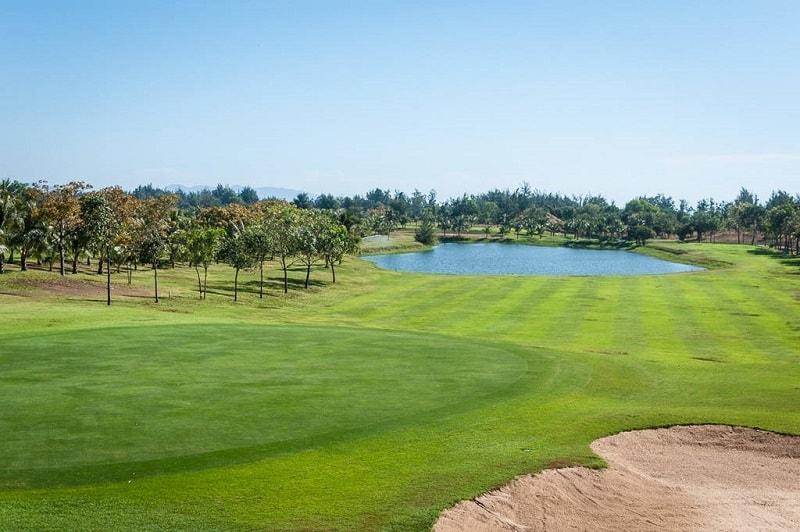 Có nhiều cách để golf thủ di chuyển đến sân golf Vũng Tàu