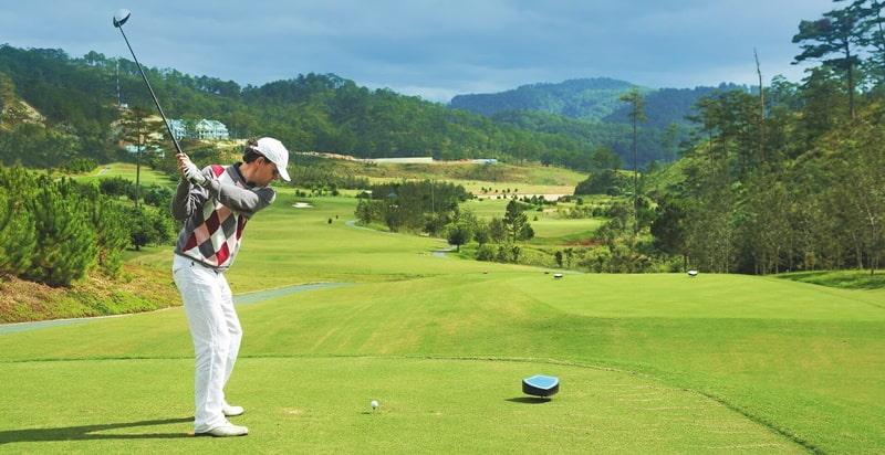 Sân có 18 lỗ golf với tổng diện tích là 58,42 ha, trong đó, chiều dài sân là 7035 yards, par 72 và 58 bẫy cát