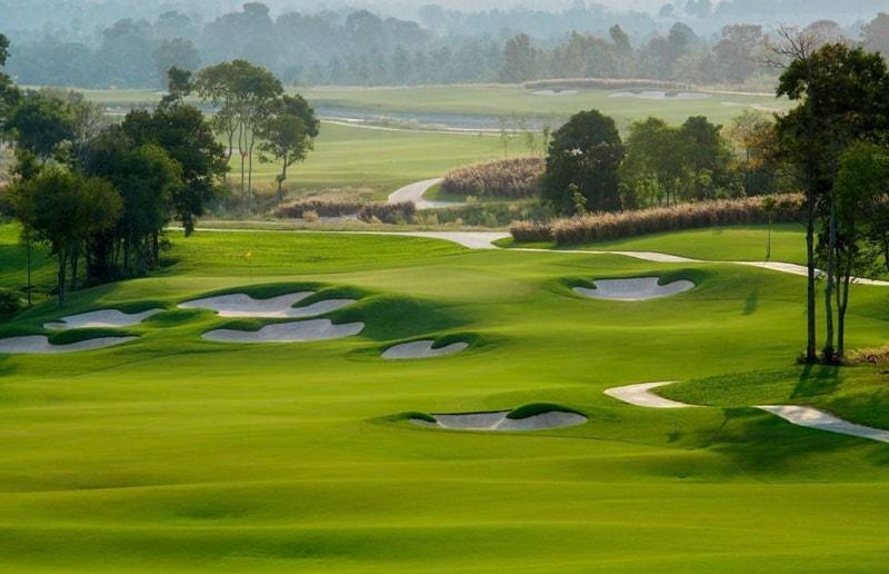 Sân golf ở đây được thiết kế bởi công ty tư vấn và thiết kế sân golf hàng đầu thế giới