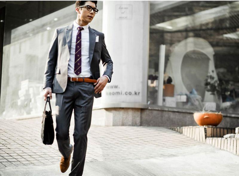 Thắt lưng Adidas có thể được phối trong những set veston lịch lãm