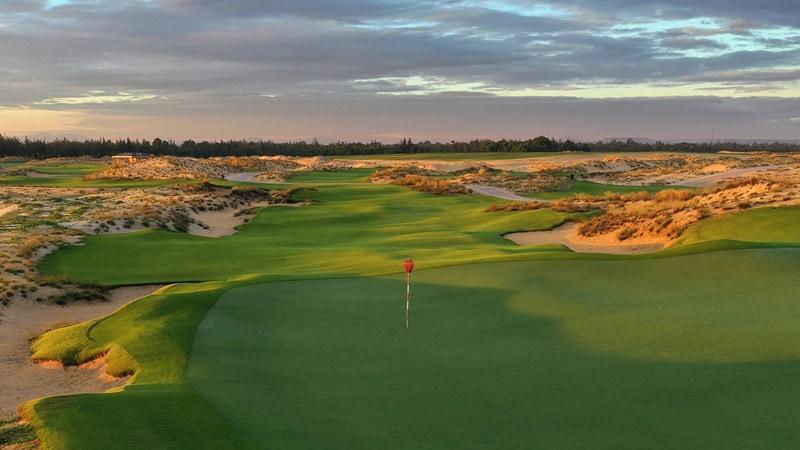 Sân golf Hoiana Shores đã xuất sắc giành được nhiều giải thưởng uy tín trong ngành công nghiệp golf
