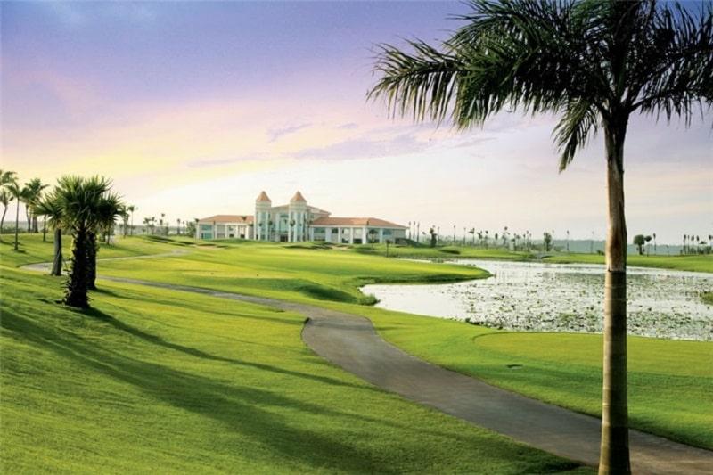 Sân golf Nhơn Trạch Đồng Nai được thiết kế với 18 lỗ